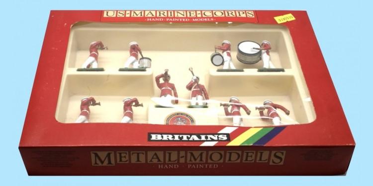 BRITAINS: 7305 - US MARINE CORP. SET WITH DRUM MAJOR - MINT