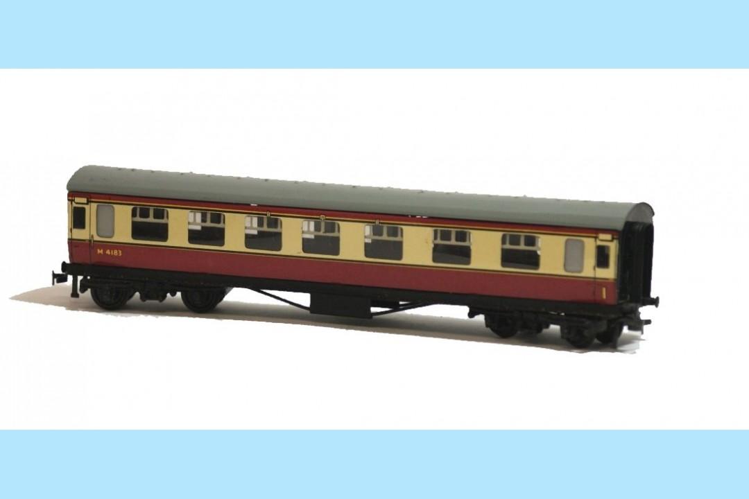 Hornby Dublo D12 4005 M4183 Corridor Coach 1st Amp 2nd