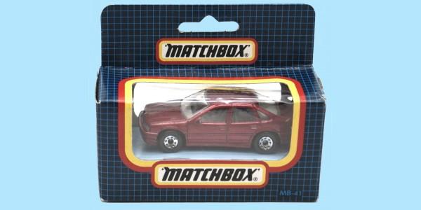MATCHBOX: MB41G - VAUXHALL/OPEL CAVALIER/VECTRA - BOX N - NEW